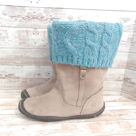 Keen beige suede sweater top boots
